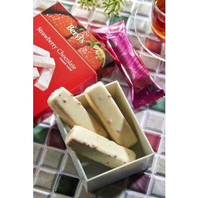 Wafer Coated With Strawberry White Chocolate 40g